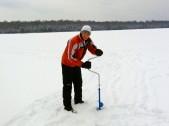 Checking the ice thickness