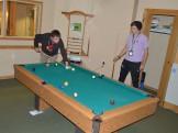 15-01-30 Candid playing pool