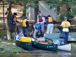 15-05-22 Expo Syl JS loading canoes