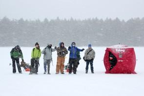 16-02-28 Ice Fishing 11 snow
